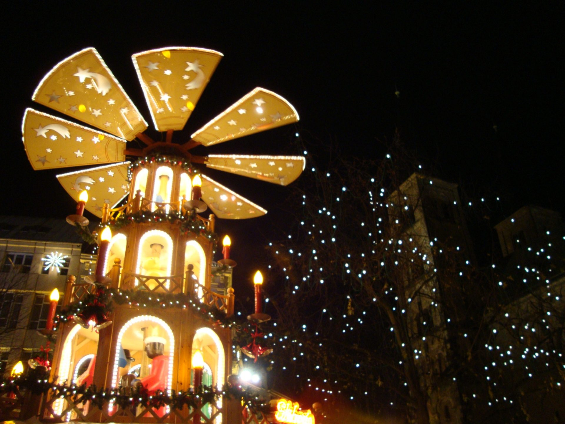 Neuer-Kanzlerplatz-Weihnachtsmarkt-Bonn